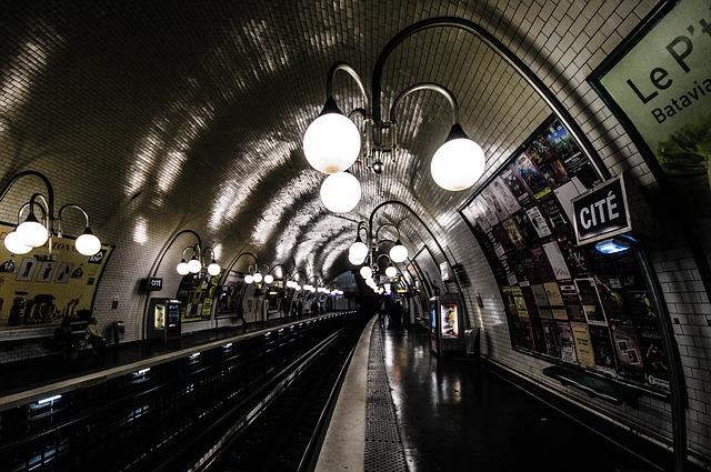 metro-782257_640